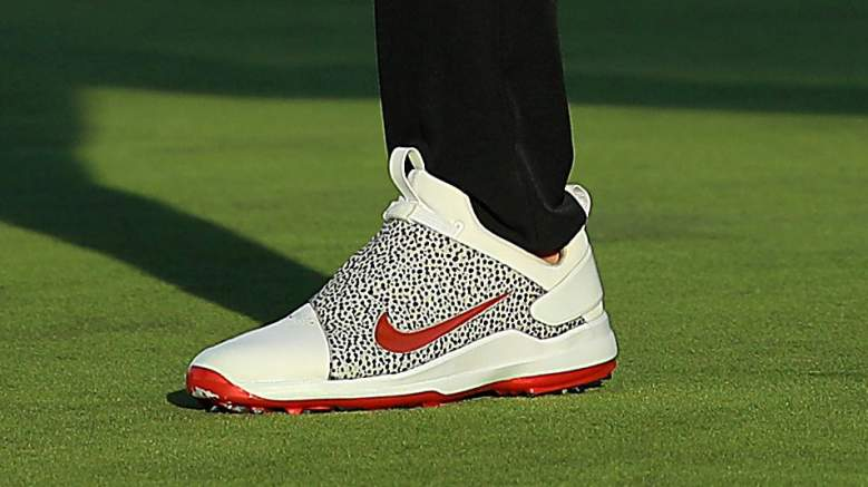 eco déficit tono  Brooks Koepka's Shoes & Hat Are Nike Golf's Bold New Look | Heavy.com