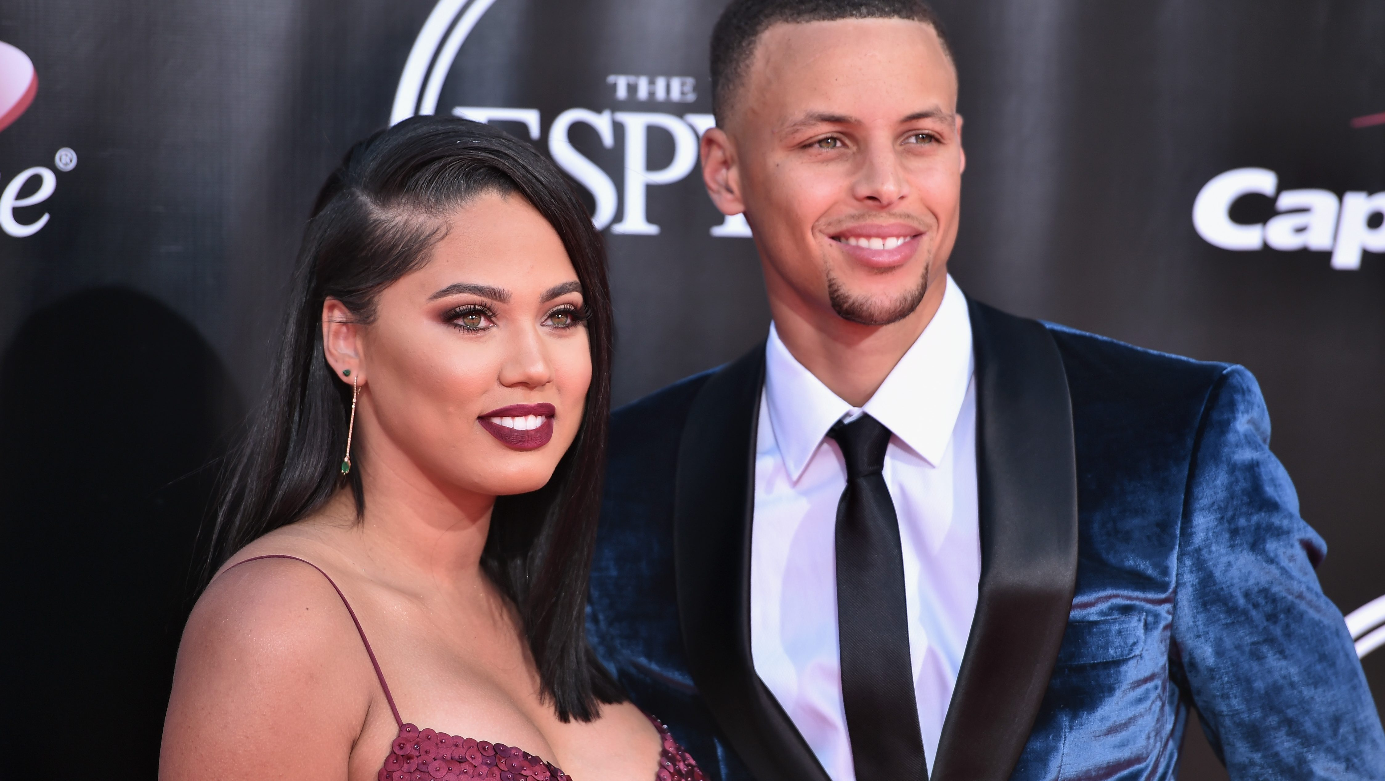 Steph Curry S Wife Ayesha Curry Is Launching A New Show Heavy Com