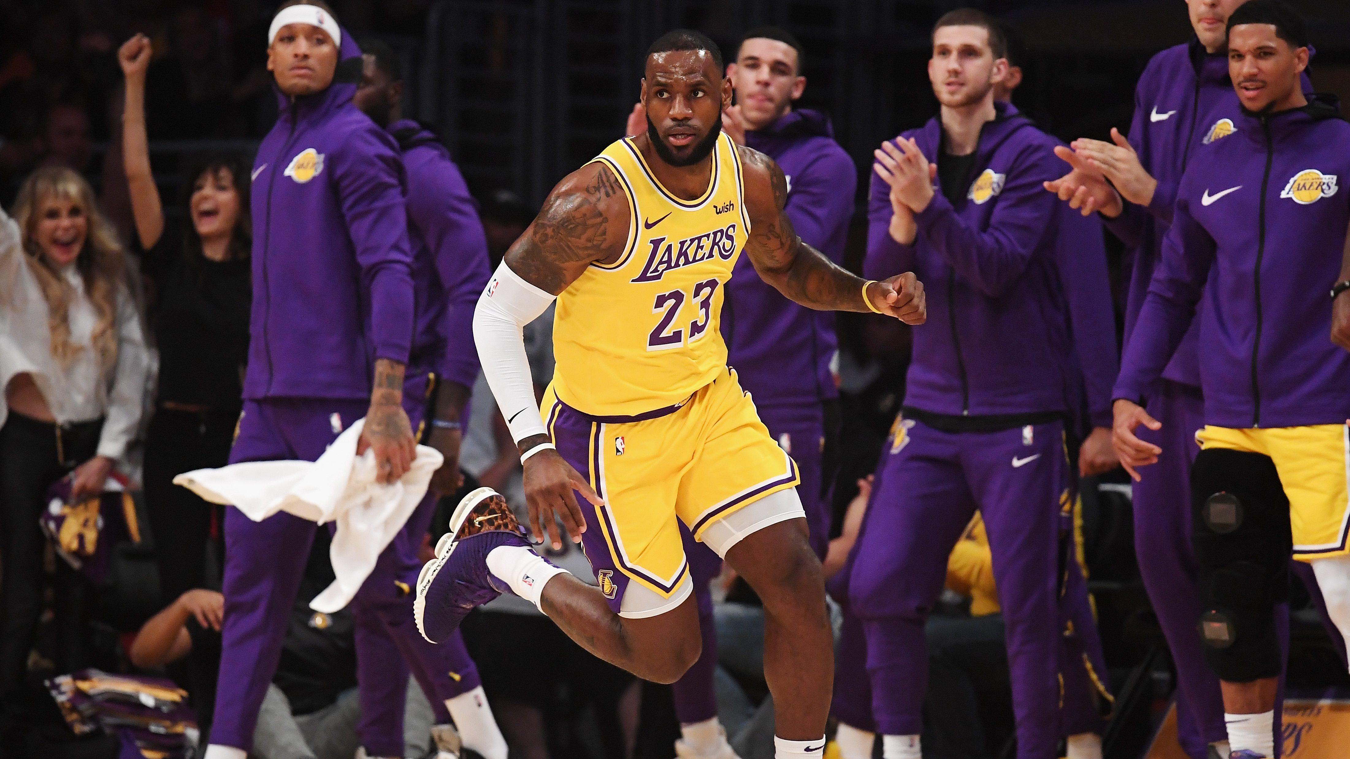 New Lakers Jersey Number on Twitter
