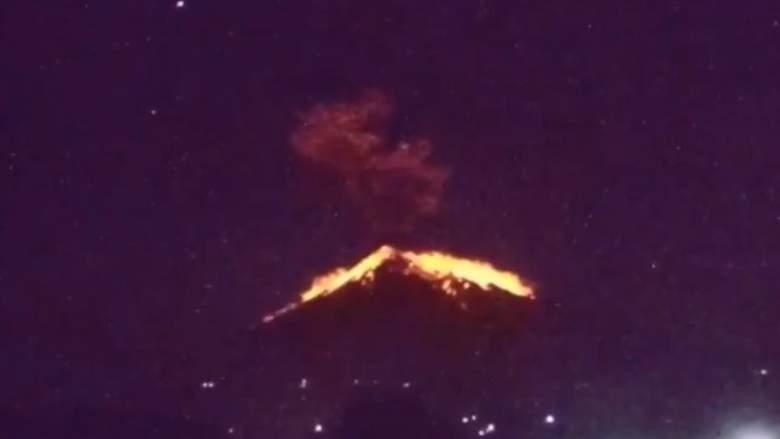 WATCH: Bali's Mt. Agung Erupts