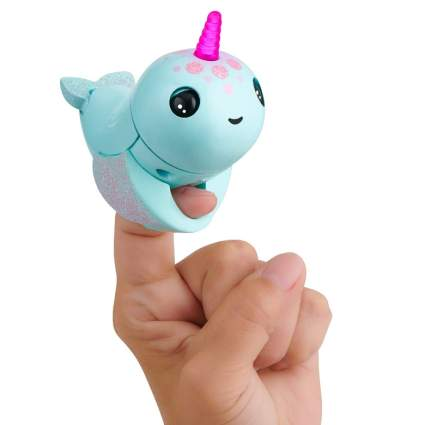 WowWee Fingerlings Light Up Narwhal – Nikki