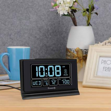 DreamSky Auto Set Digital Alarm Clock Awesome Gadget