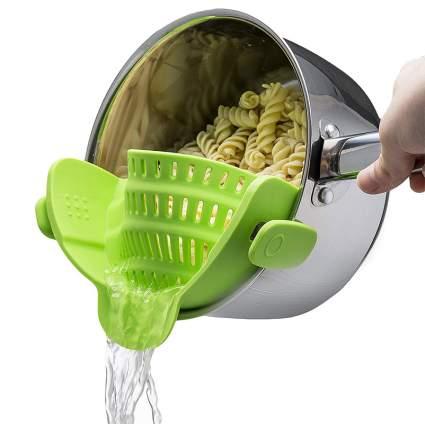 Kitchen Gizmo Snap 'N Strain Strainer amazing gadgets