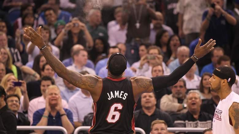 LeBron James Lakers chalk toss