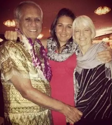 Tulsi Gabbard and her parents