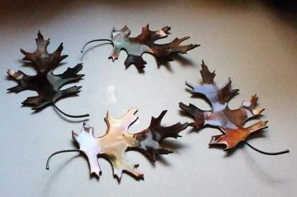 Metal oak leaves