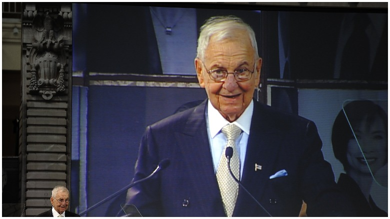 Lee Iacocca S Net Worth 5 Fast Facts You Need To Know Heavy Com