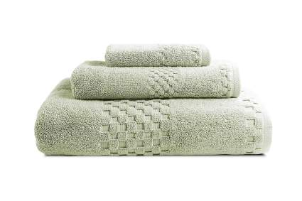 Set of three light green towels
