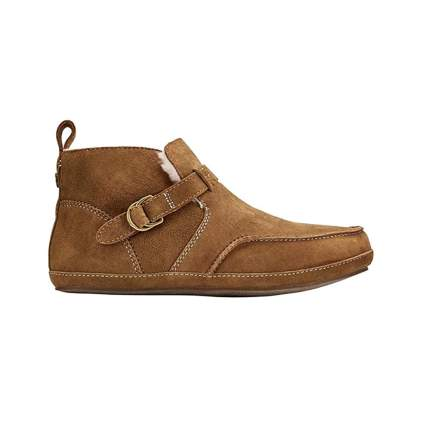 tan shearling bootie slippers