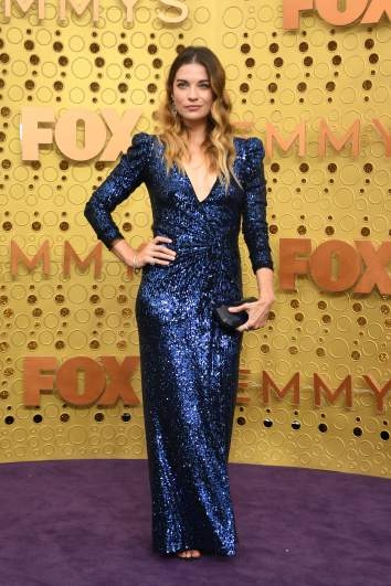 Annie Murphy from the series Schitt's Creek arrives at the 2019 Emmy Awards