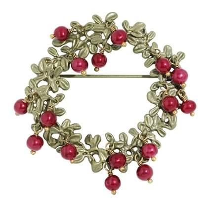cranberry wreath pin
