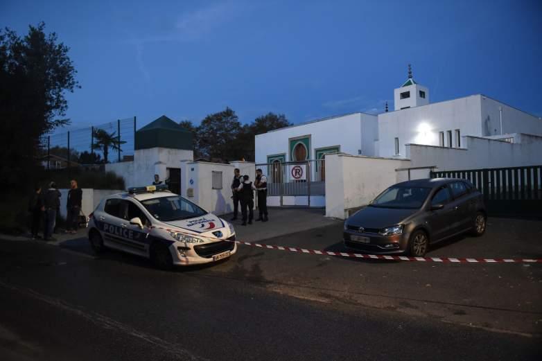 claude sinke bayonne mosque suspect