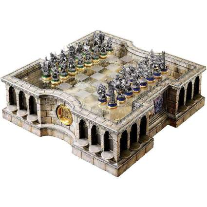 LotR stunning chess set