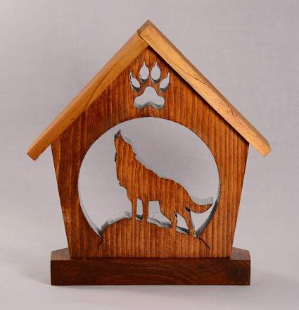 WOLF HOWLING Candle Holder