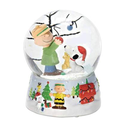 charlie brown and snoopy Christmas snow globe