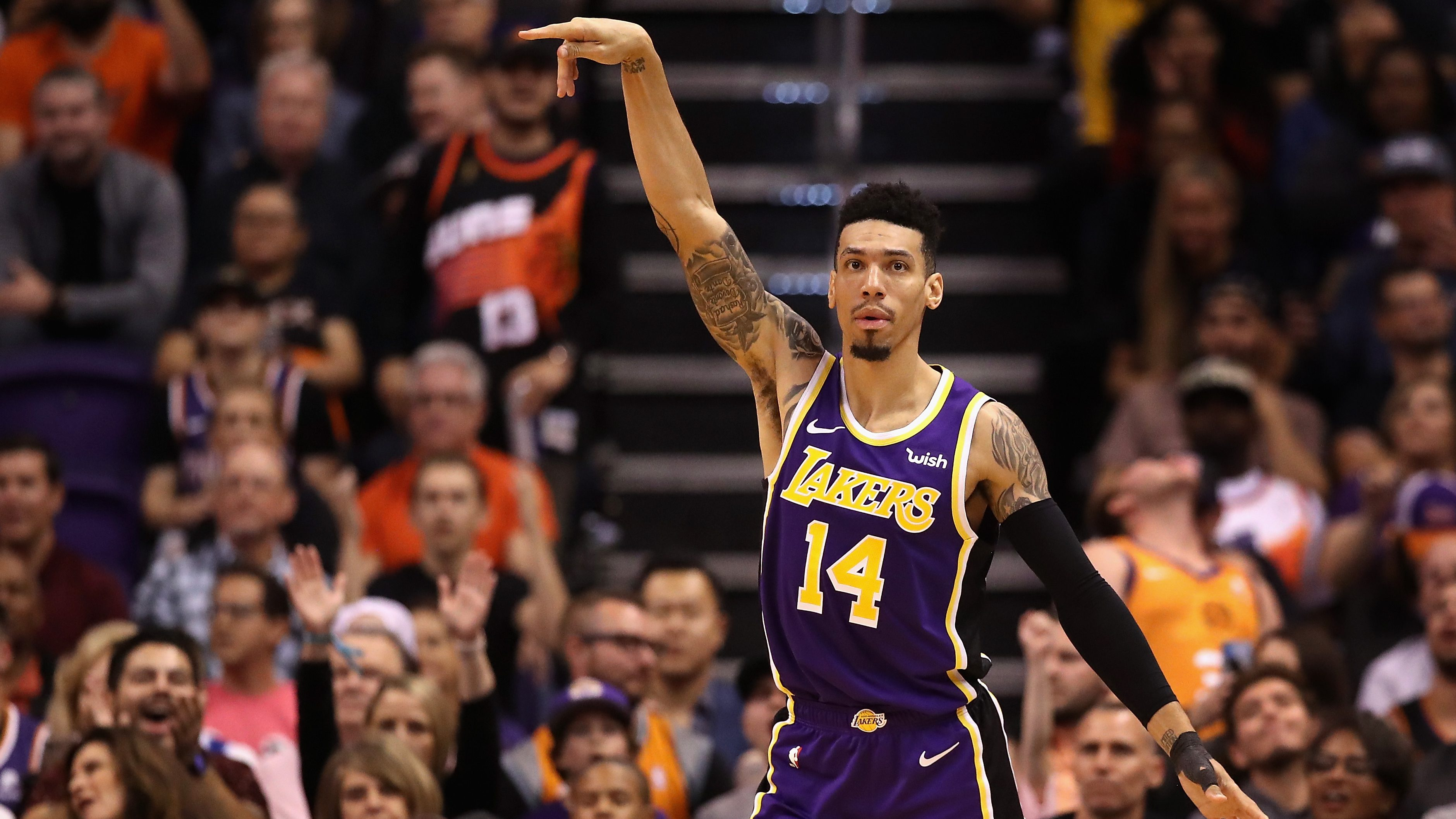 Danny Green Lakers Hawks Dunk