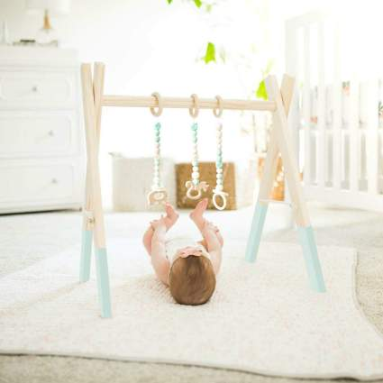 HAN-MM Wooden Baby Gym with 3 Wooden Baby Teething Toys