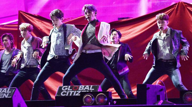 NCt 127 perform in New York City.