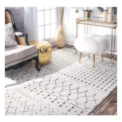 white and gray moroccan area rug