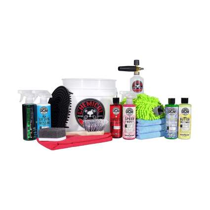Chemical Guys HOL169 16-Piece Arsenal Builder Wash Kit