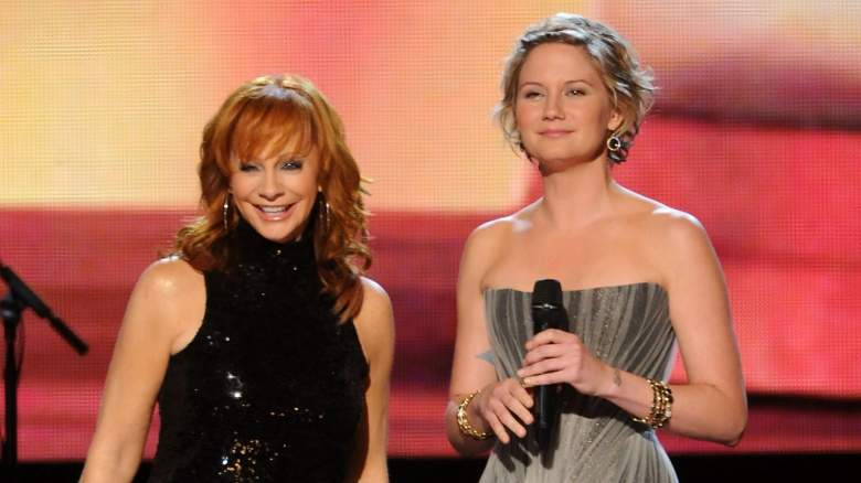 Reba McEntire, Jennifer Nettles CMA Country Christmas