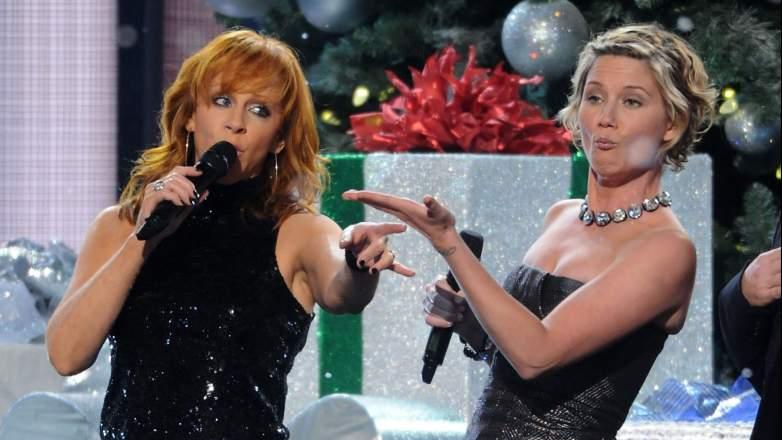 Jennifer Nettles Reba McEntire CMA Country Christmas