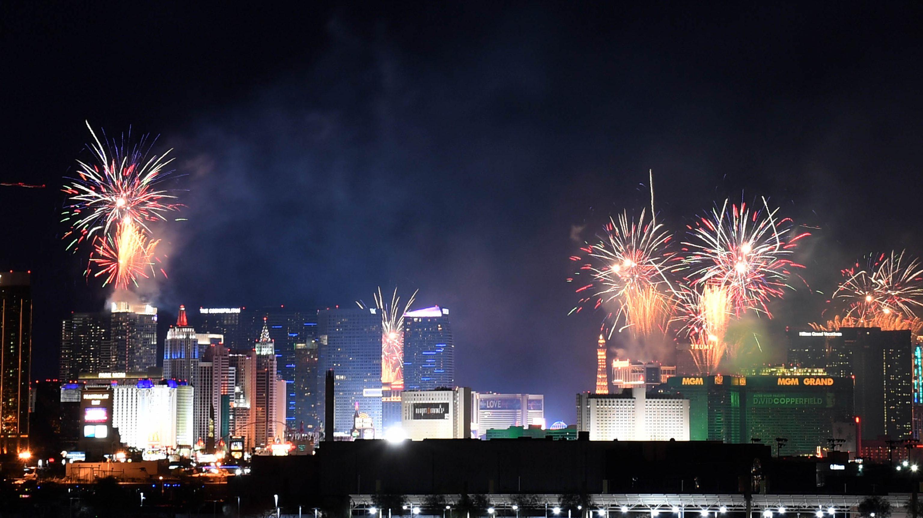 Watch Las Vegas New Year's Eve Fireworks Live Stream 2020 ...