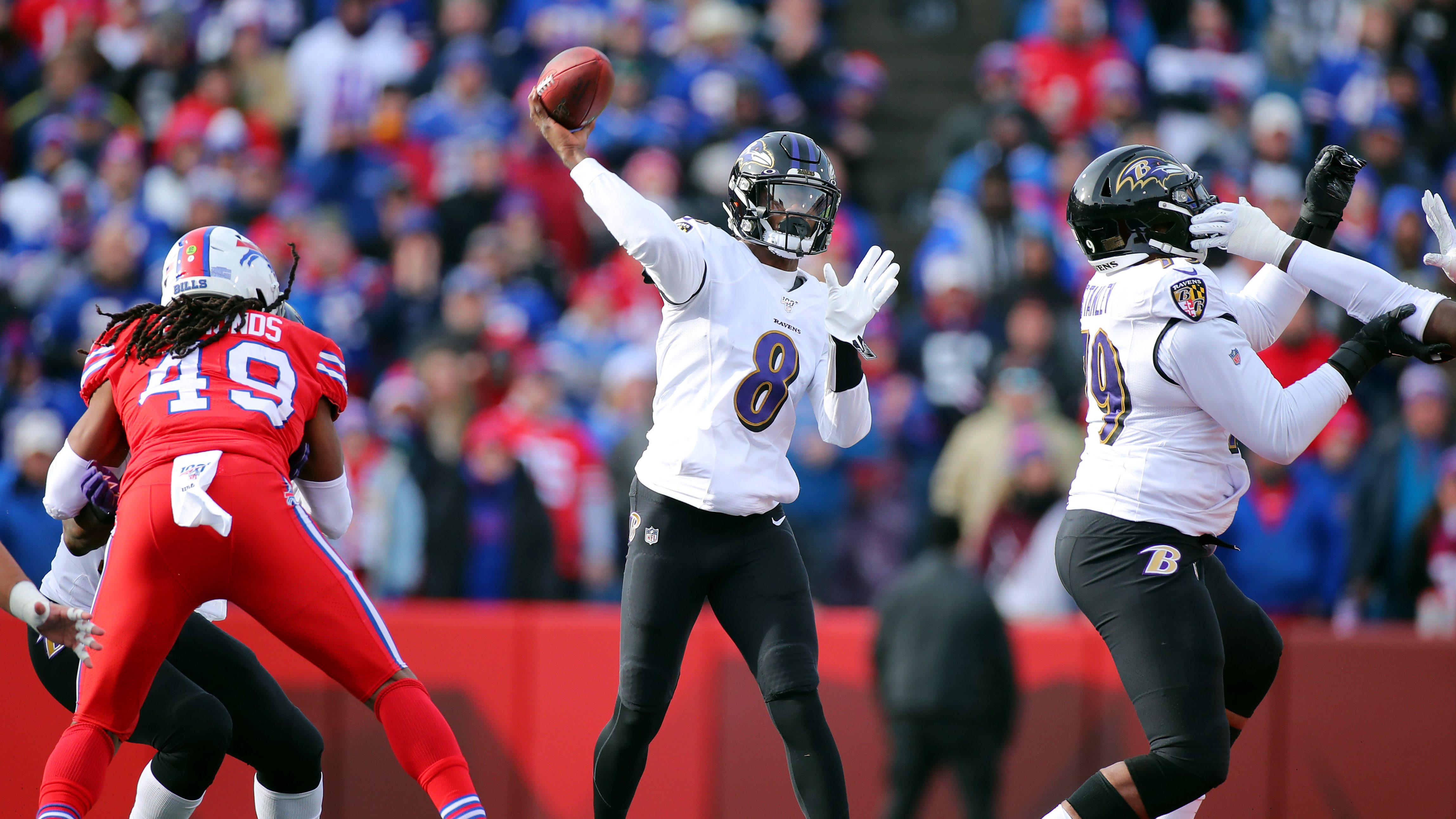 Ravens Lamar Jackson Makes Incredible Juke On Bills Heavy Com