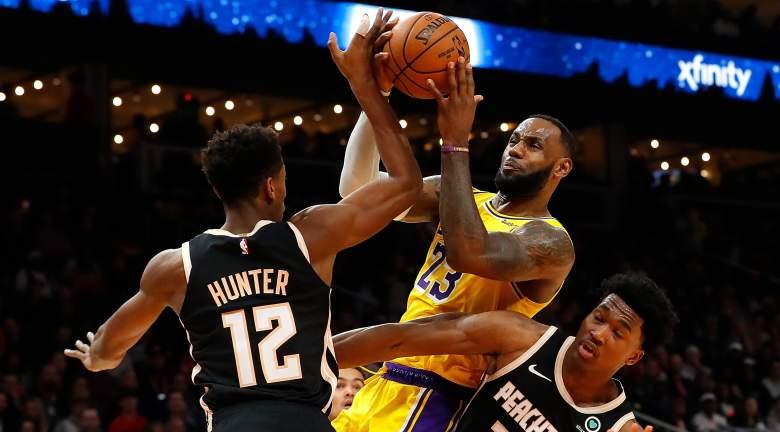 LeBron James, Lakers driving vs. Hawks