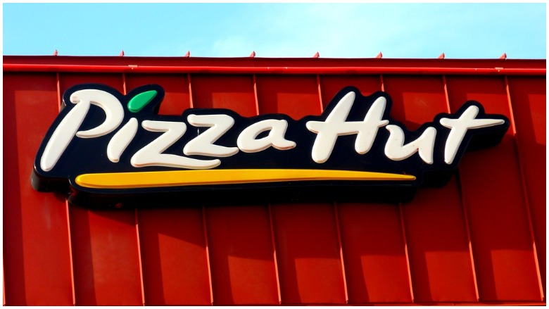 Is Pizza Hut Open Christmas Day 2020 Is Pizza Hut Open or Closed on New Year's Eve & Day 2019 2020