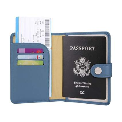 Zoppen RFID Blocking Travel Passport Holder