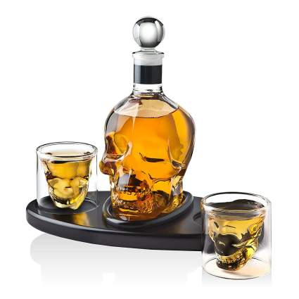 Whiskey Decanter Skull Set