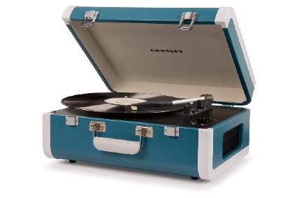 Crosley Portfolio Vintage 3-Speed Bluetooth Suitcase Turntable