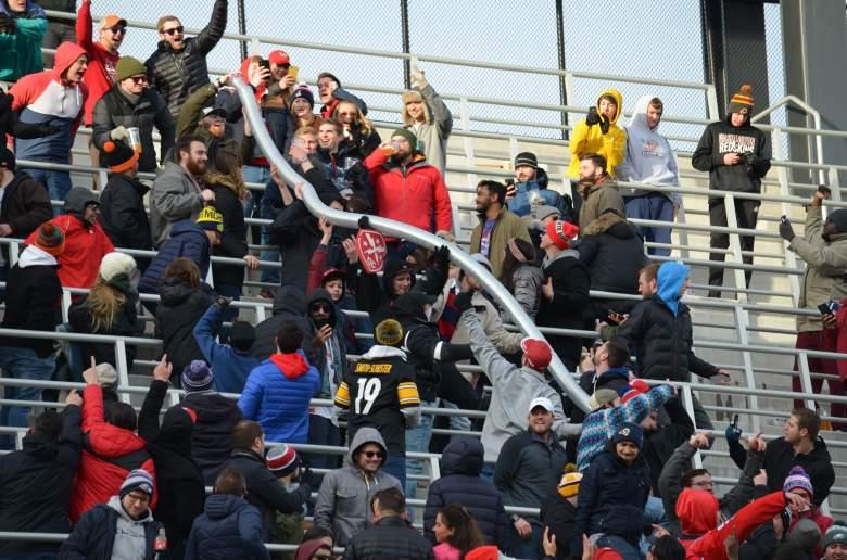 DC Defenders fans