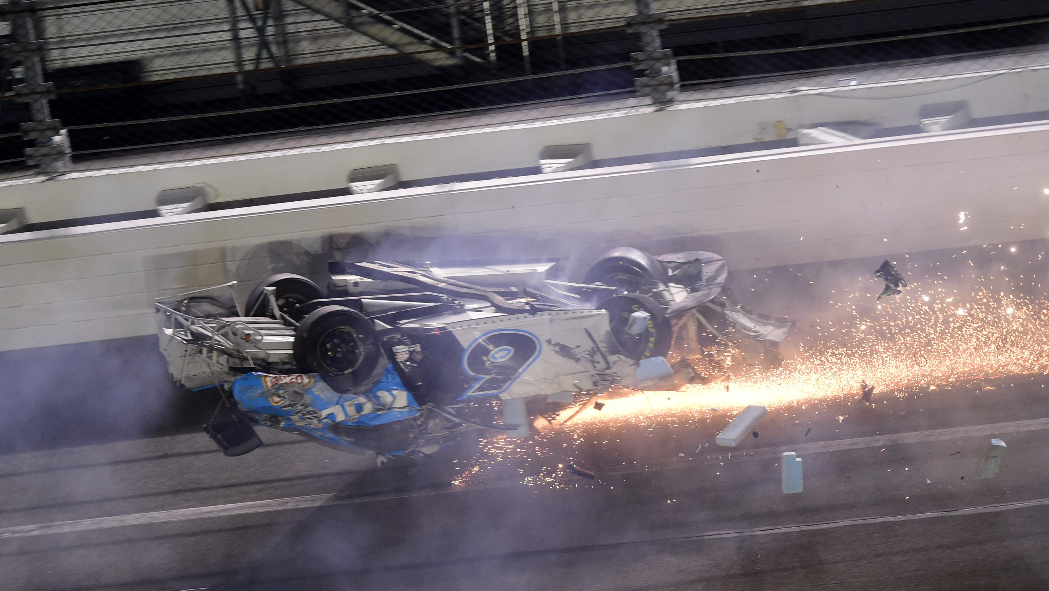 Ryan Newman Crashes In Scary End To Daytona 500 Video Heavy Com