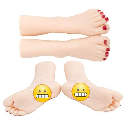 Pair of silicone feet