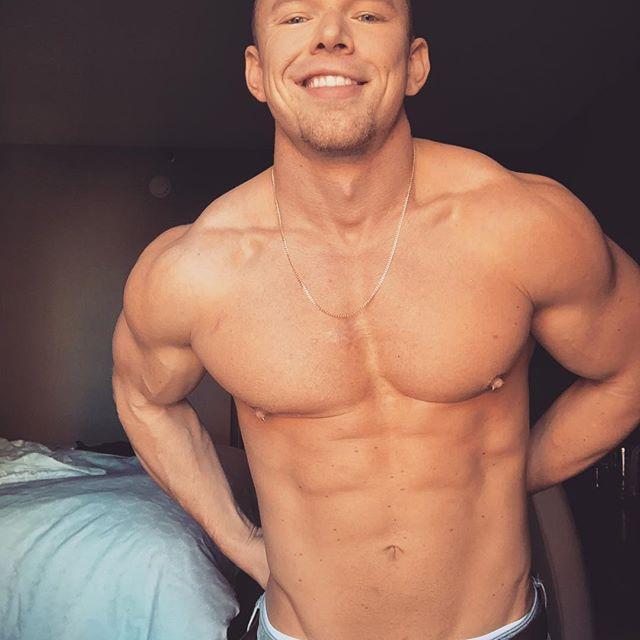 Instagram Travis Dyson