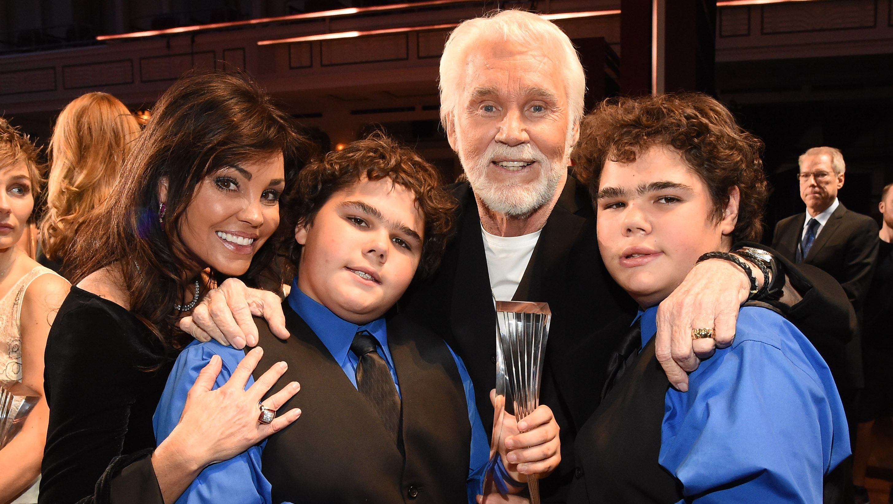 Kenny Rogers Was Survived By His Five Kids His Wife Heavy Com