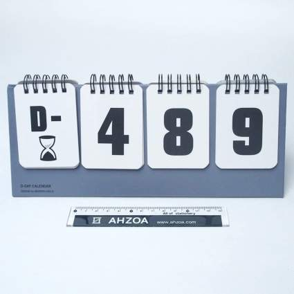 Flip countdown calendar