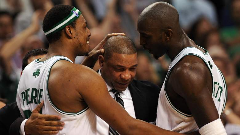 Doc Rivers, at center, and Kevin Garnett, at right, in 2008