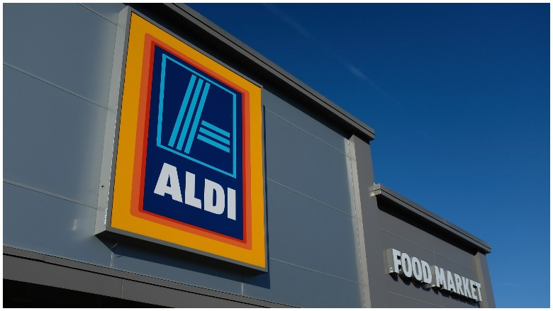 Aldi Christmas Eve Hours 2020 Is Aldi Open or Closed on Labor Day 2020? What Hours? | Heavy.com
