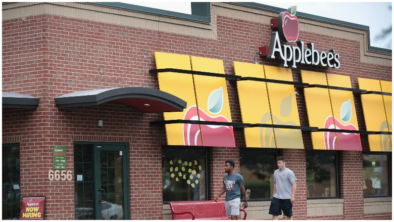 Applebees open closed memorial day