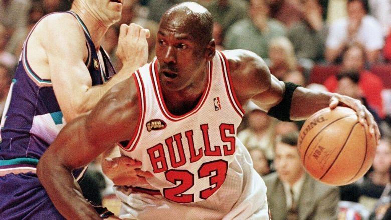 Michael Jordan's college teammate says MJ feared Lawrence Taylor