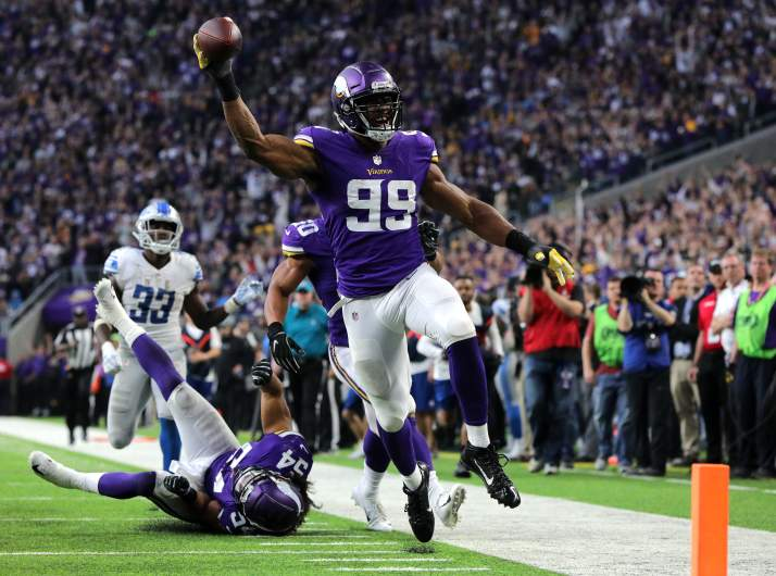 Minnesota Vikings defensive end Danielle Hunter celebrates fumble return touchdown in U.S. Bank Stadium