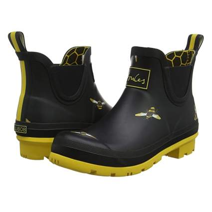 bee print rubber garden boot