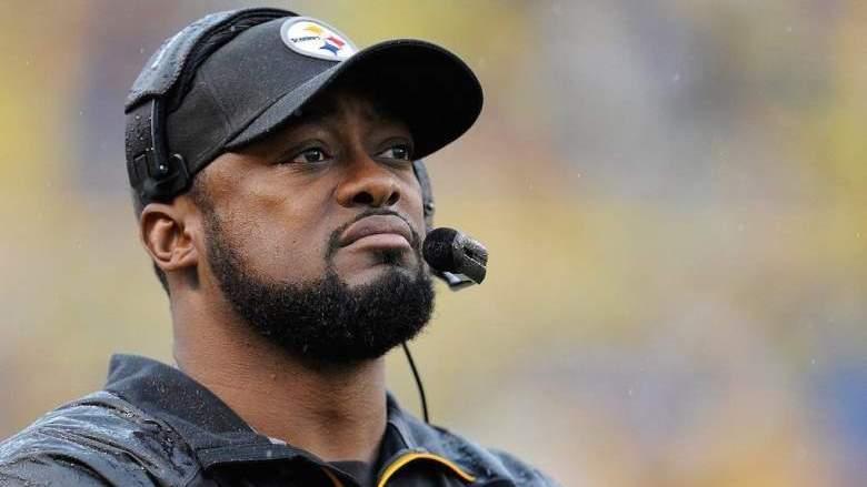 Pittsburgh Steelers head coach Mike Tomlin wearing a headset