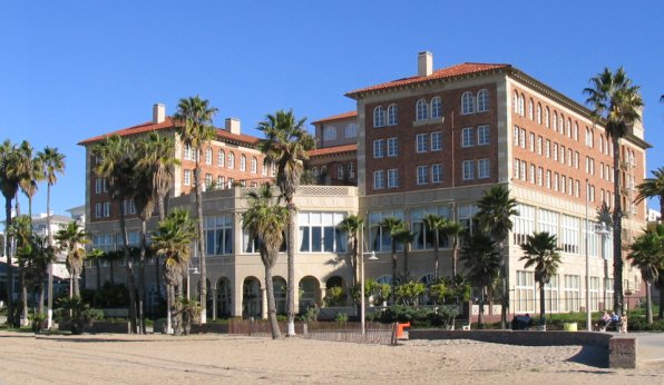 Hotel, former home of Synanon