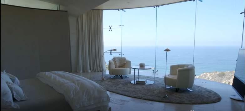Razor Mansion House master bedroom