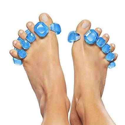 yogi toes