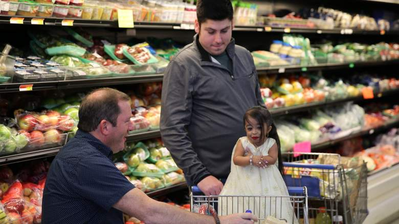 Tim, James and Jyoti grocery shop on TLC's Extraordinary People: World's Smallest Woman special